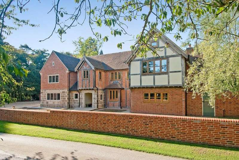 5 Bedrooms Detached House for sale in Manor Walk, Kings Bromley