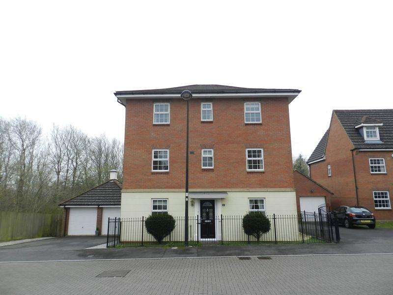 5 Bedrooms Detached House for sale in Lowland Close Broadlands Bridgend CF31 5BU