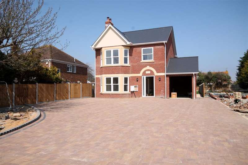 4 Bedrooms House for sale in Arnold Road, Clacton on Sea