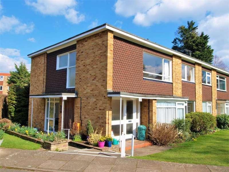 2 Bedrooms Maisonette Flat for sale in Foxes Dale, Shortlands, BR2