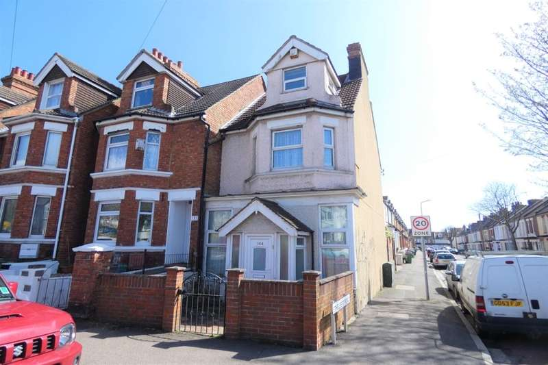 3 Bedrooms Terraced House for sale in Canterbury Road, Folkestone, CT19