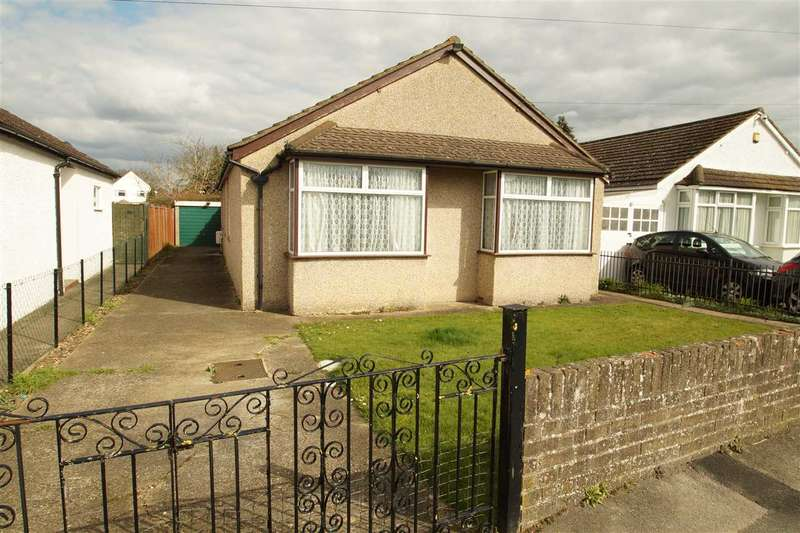3 Bedrooms Bungalow for sale in The Spur, Burnham, Slough