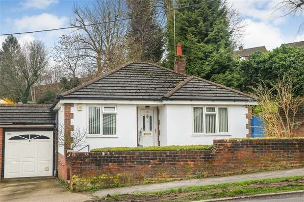 2 Bedrooms Detached Bungalow for sale in Greenway, Chesham, Buckinghamshire