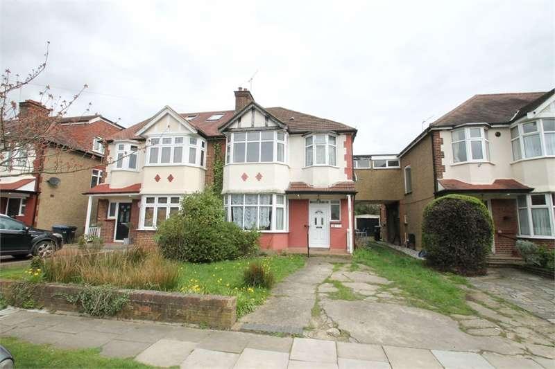 4 Bedrooms Semi Detached House for sale in Elmscott Gardens, N21