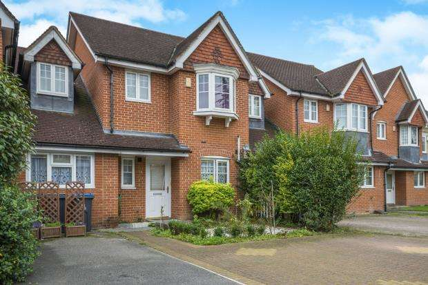 4 Bedrooms House for sale in Worcester Park, London, England