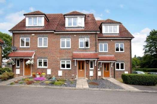 3 Bedrooms End Of Terrace House for sale in Aldershot, Hants