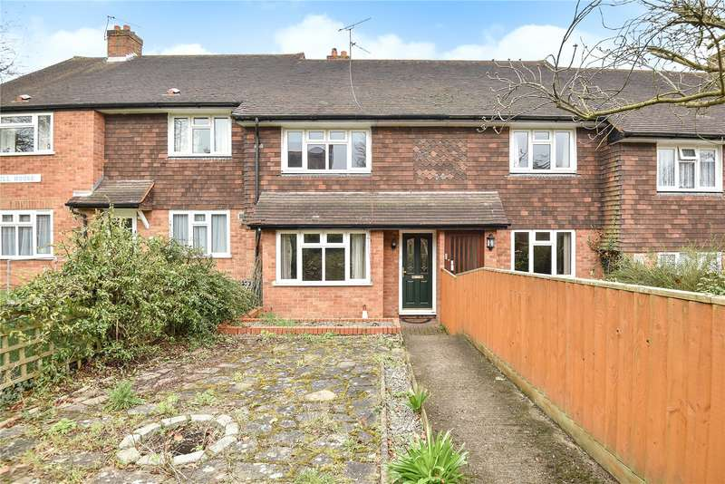 2 Bedrooms Maisonette Flat for sale in Hill House, Church Hill, Harefield, Uxbridge, UB9