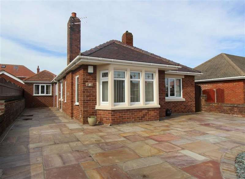 3 Bedrooms Detached Bungalow for sale in Banbury Road, Lytham St Annes, Lancashire