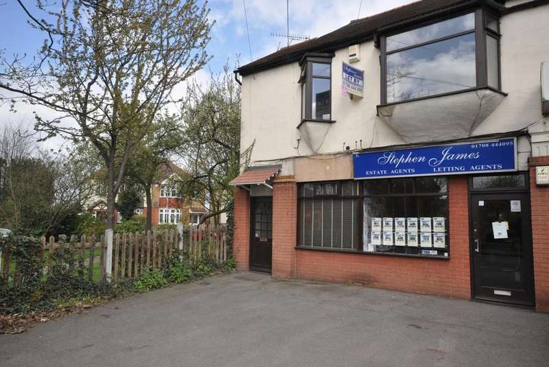 2 Bedrooms Apartment Flat for sale in High Street, Hornchurch, Essex, RM11