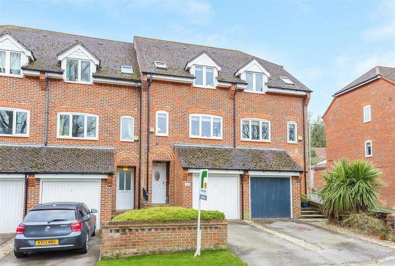 3 Bedrooms Terraced House for sale in Kingsmead Road, Loudwater