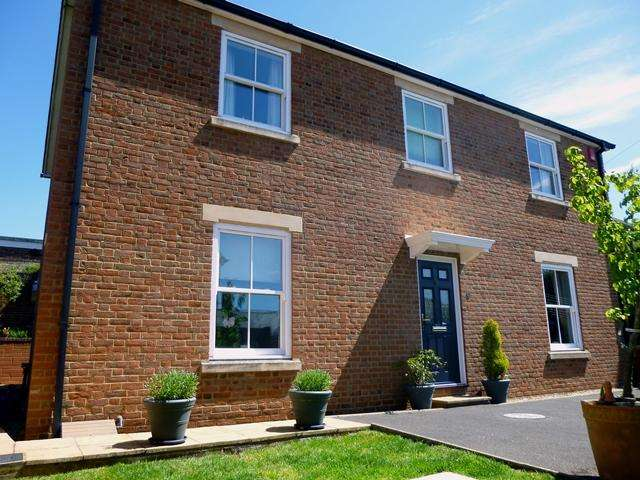 4 Bedrooms Detached House for sale in Albert Street, Blandford Forum