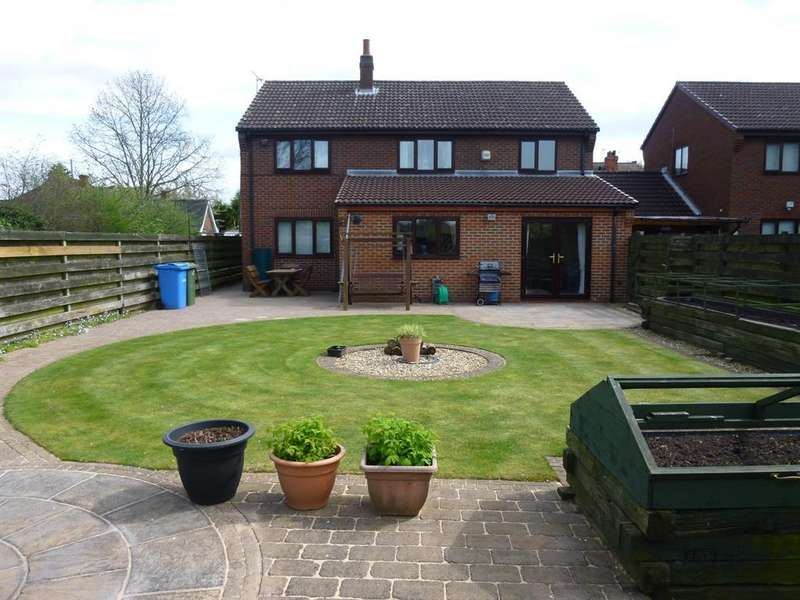 4 Bedrooms Detached House for sale in West Furlong, Retford, DN22 7LN
