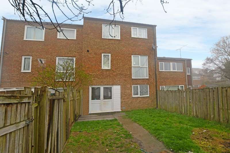 3 Bedrooms Town House for sale in Luxembourg Close, Luton, Bedfordshire, LU3 3TD