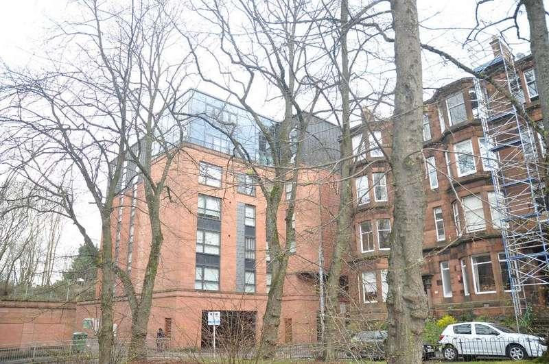 3 Bedrooms Flat for rent in Hayburn Lane, Flat 6/3, Hyndland, Glasgow, G12 9FB