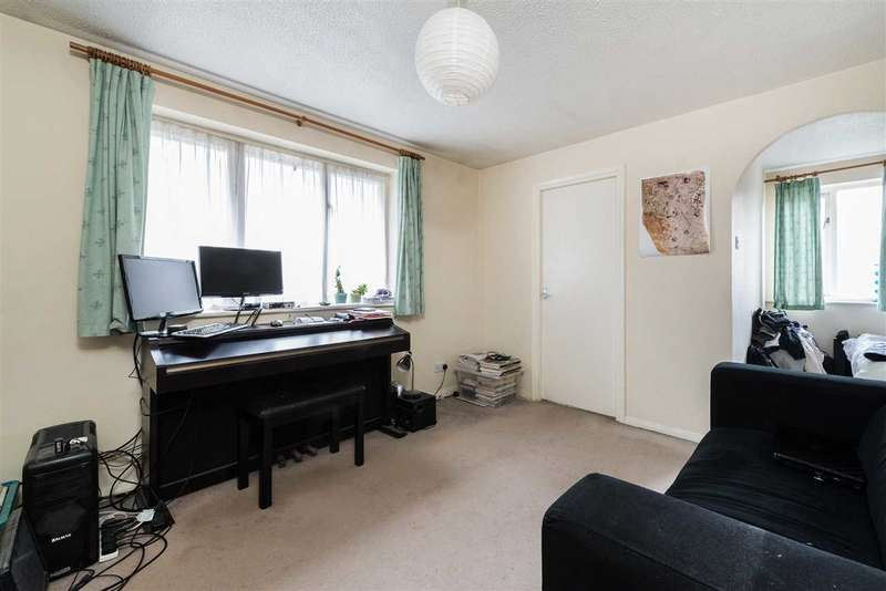 Studio Flat for sale in Inwen Court, Grinstead Road, Deptford