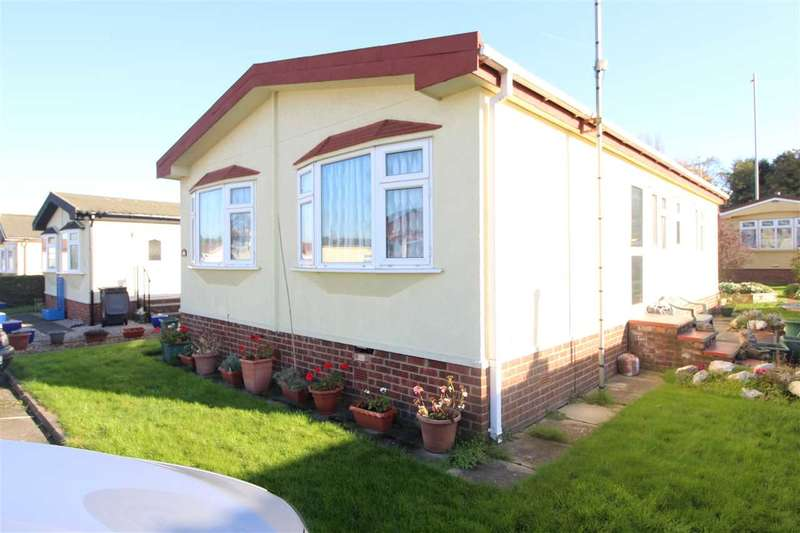 2 Bedrooms Park Home Mobile Home for sale in Greenlands Row, Barnet Lane, Elstree