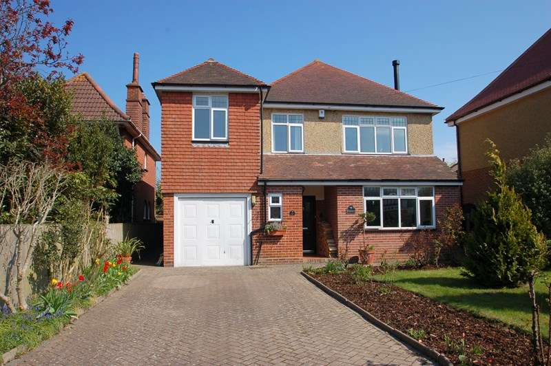 5 Bedrooms Detached House for sale in Anglesey Road, Alverstoke, Gosport