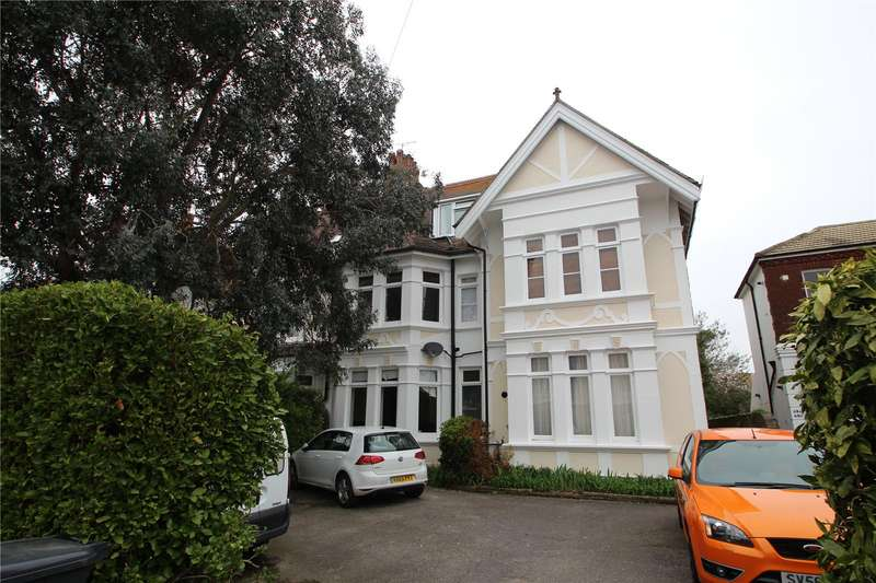 2 Bedrooms Apartment Flat for sale in Richmond Road, Worthing, West Sussex, BN11
