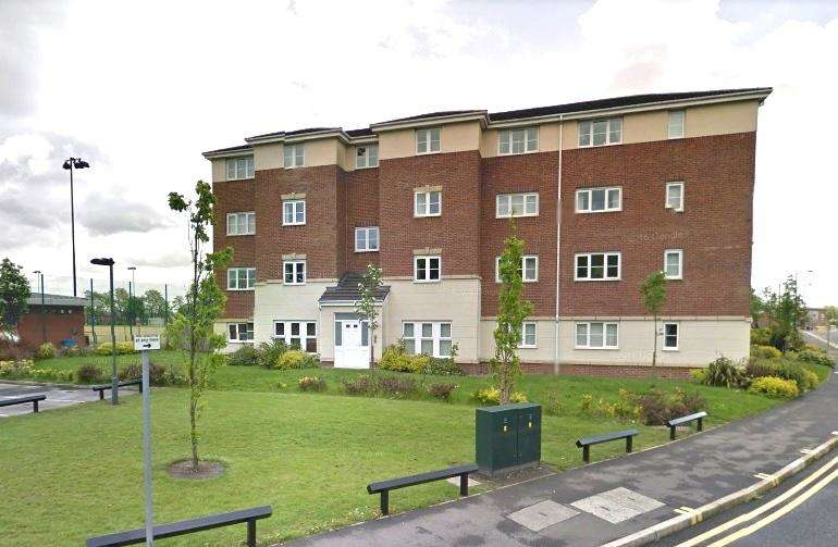2 Bedrooms Flat for sale in Ledgard Avenue, Leigh, WN7 4BN