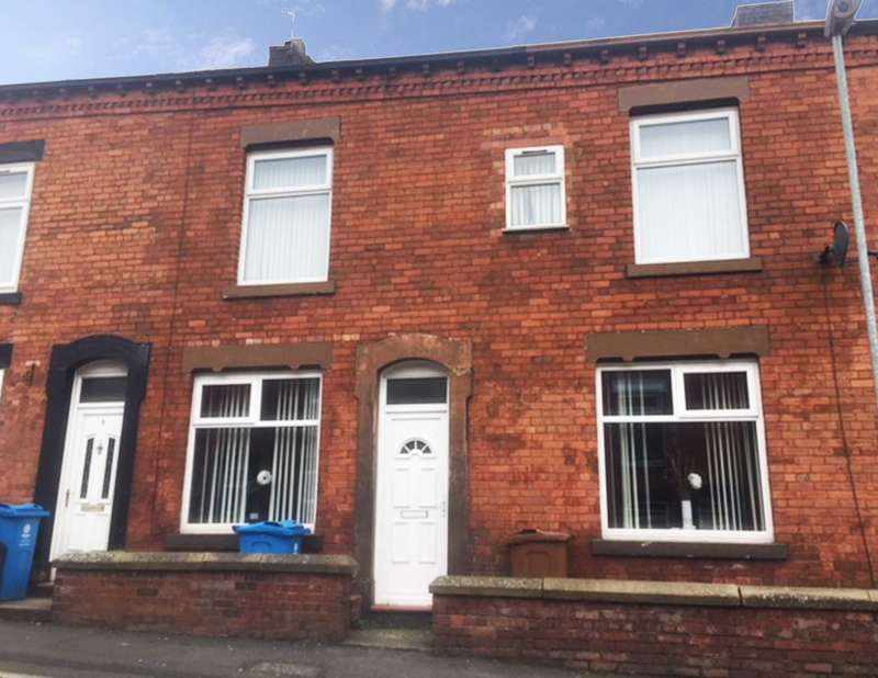 4 Bedrooms Terraced House for sale in Briscoe Street, Oldham