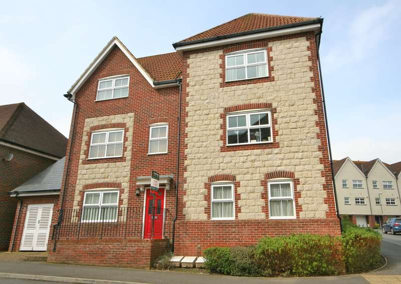 2 Bedrooms Flat for sale in Pulborough
