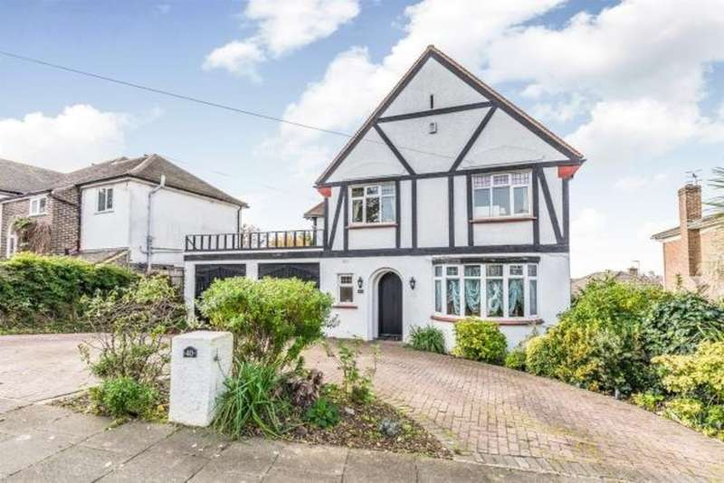 4 Bedrooms Detached House for sale in Shirley Drive, Hove, BN3 6UD