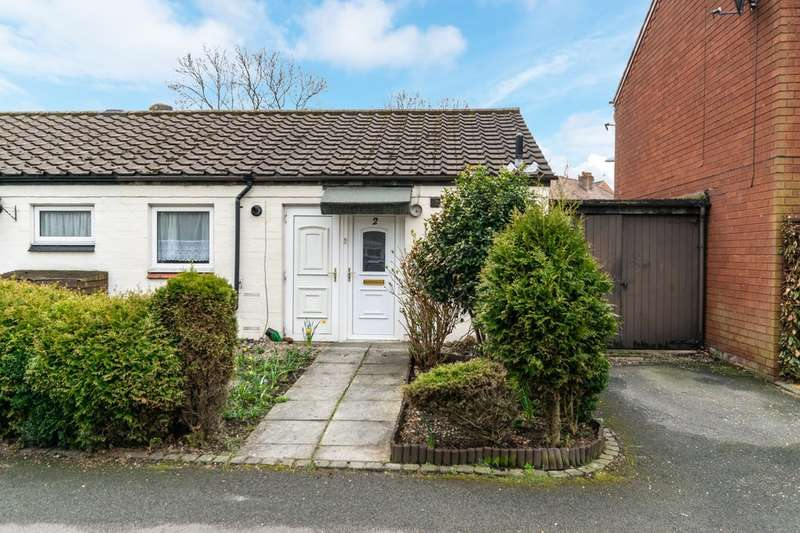1 Bedroom Semi Detached Bungalow for sale in Canada Close, Fearnhead, Warrington