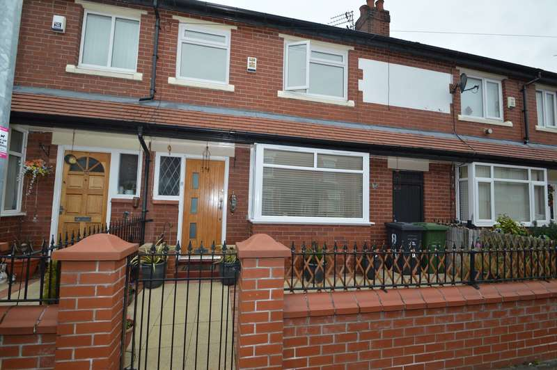 3 Bedrooms Terraced House for sale in Heaton Street, Salford, M7