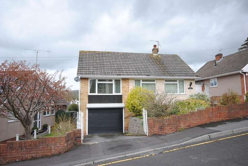 3 Bedrooms Detached Bungalow for sale in Tor View, Cheddar