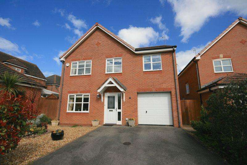 4 Bedrooms Detached House for sale in Llys Onnen, Llandudno Junction