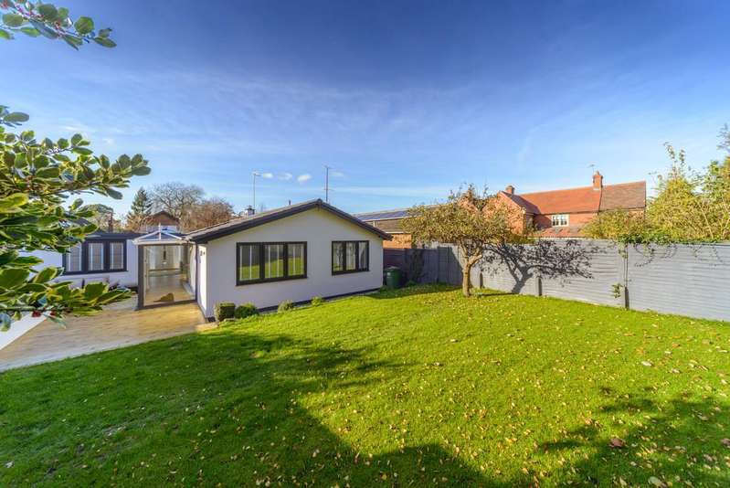 4 Bedrooms Detached Bungalow for sale in Brookside Avenue, Kenilworth