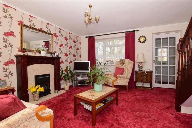 3 Bedrooms Terraced House for sale in Highview, Vigo, Kent