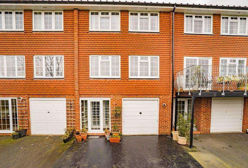3 Bedrooms Town House for sale in Woodbury Park Road, Tunbridge Wells