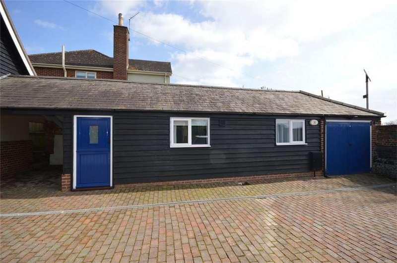 1 Bedroom Semi Detached Bungalow for rent in Henham Road, Elsenham, Bishop's Stortford, Essex