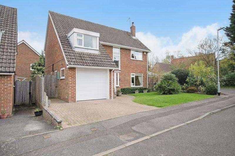 3 Bedrooms Detached House for sale in Waterlakes, Edenbridge