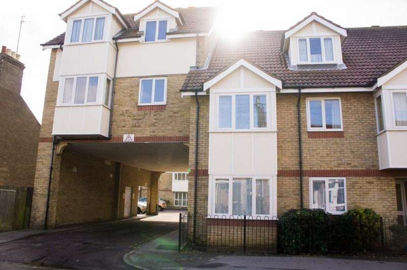 1 Bedroom Flat for sale in Stanley Street, North Lowestoft