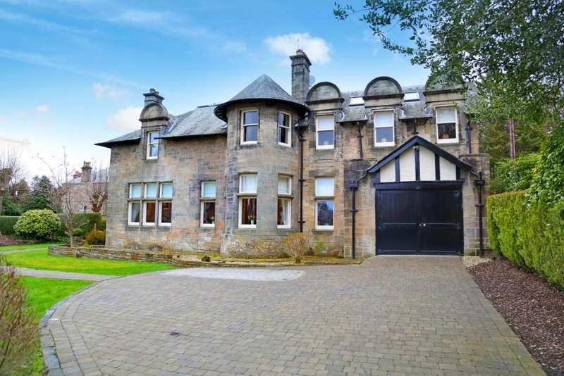 3 Bedrooms Flat for sale in 2A, 2 Corsebar Drive, Paisley, PA2 9QB