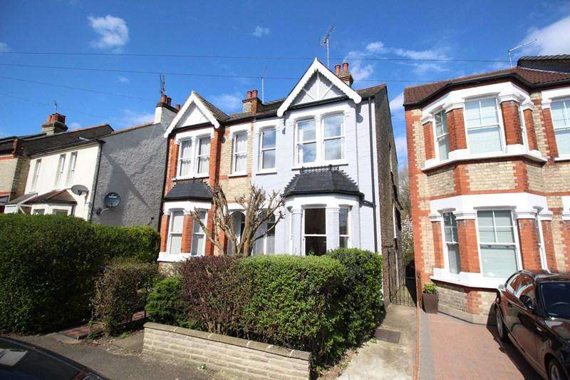 3 Bedrooms Semi Detached House for sale in Crescent Road, New Barnet