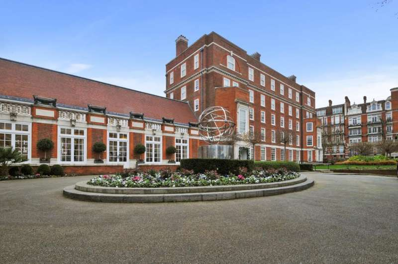 3 Bedrooms Apartment Flat for sale in Academy Gardens, Kensington, W8