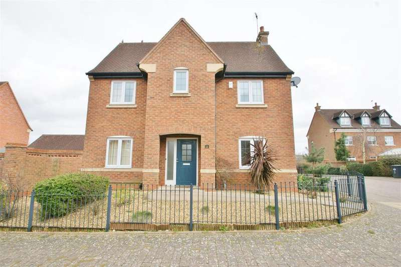 3 Bedrooms Detached House for sale in Frewen Road, Cawston, Rugby