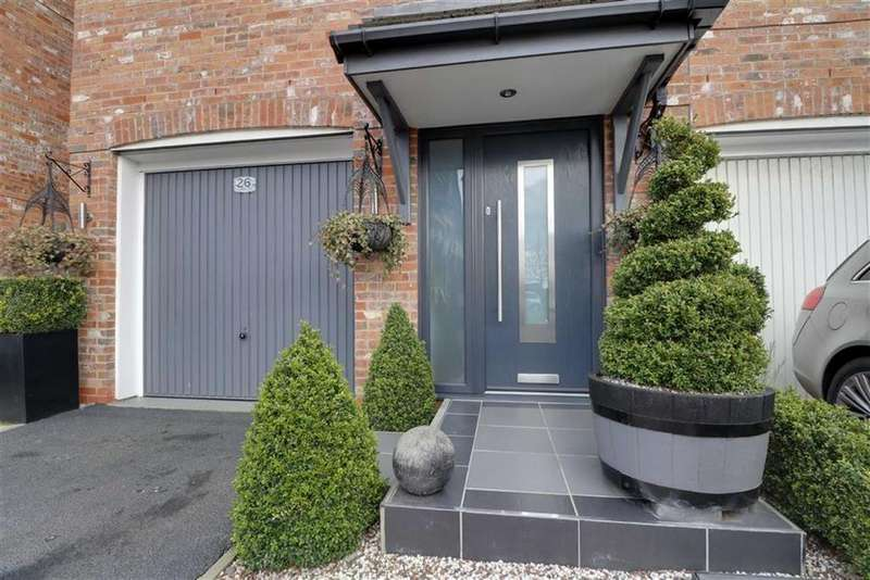 4 Bedrooms Town House for sale in Farrier Court, Crewe