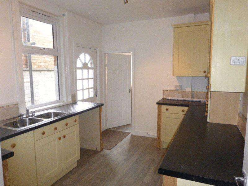 3 Bedrooms Terraced House for rent in NEW LISTING - 3 BEDROOM FAMILY HOME, Heneage Road, Grimsby