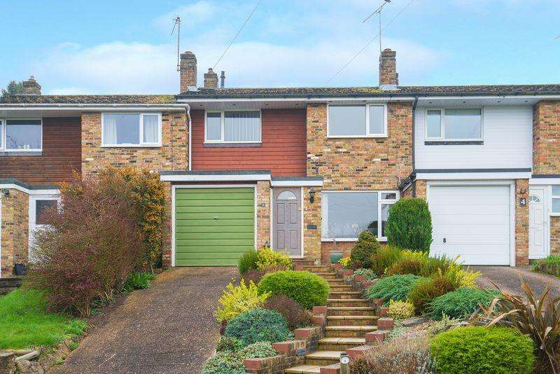 3 Bedrooms Terraced House for sale in Hillside Close, Chalfont St Giles
