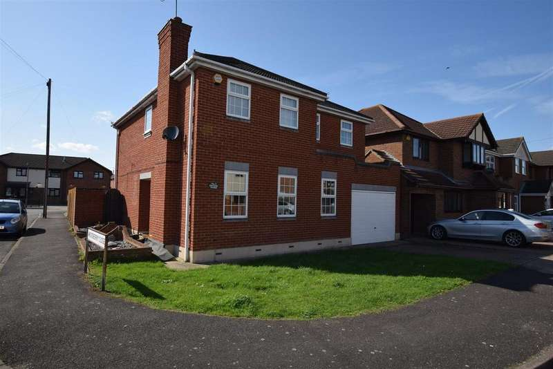 4 Bedrooms House for sale in Derventer Avenue, Canvey Island