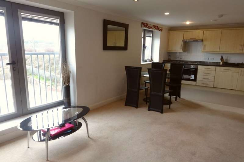 2 Bedrooms Flat for rent in Westgate, Wakefield, WF1