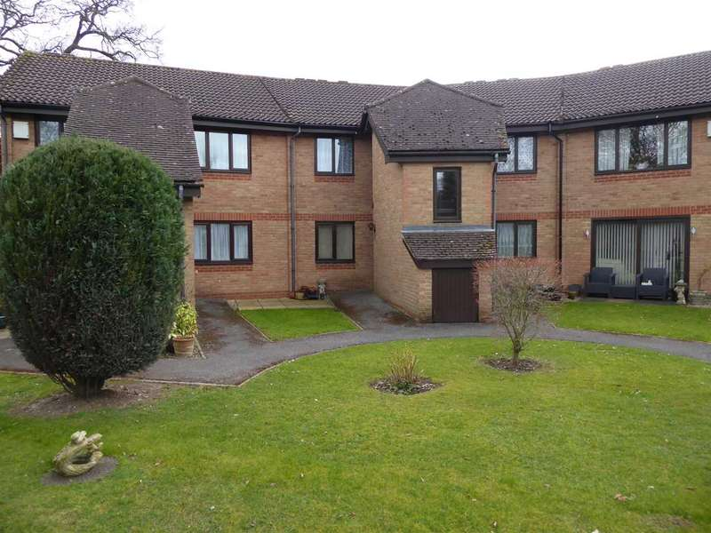 1 Bedroom Retirement Property for sale in Burrcroft Court, Reading
