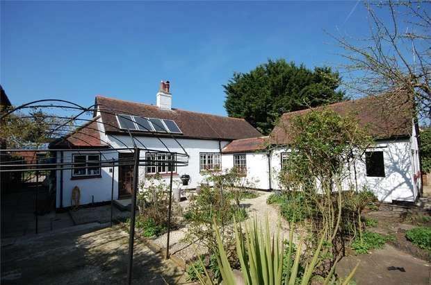 2 Bedrooms Cottage House for sale in Farnham, Surrey