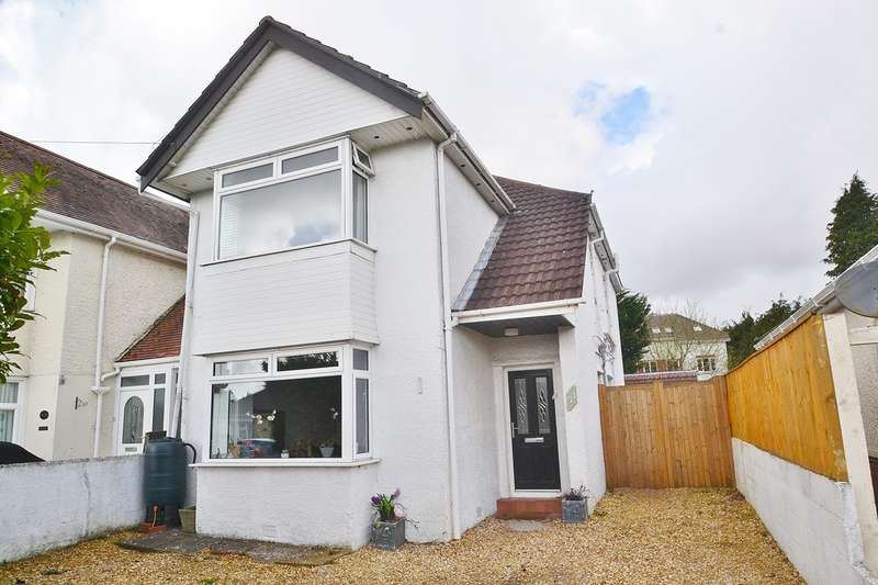 4 Bedrooms Detached House for sale in Parkstone