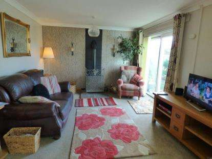3 Bedrooms Terraced House for sale in Eringden, Wilnecote, Tamworth, Staffordshire