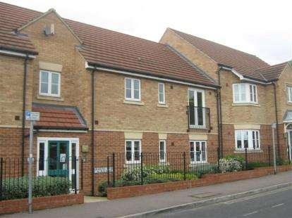 2 Bedrooms Flat for sale in Queens Walk, Peterborough, Cambridgeshire